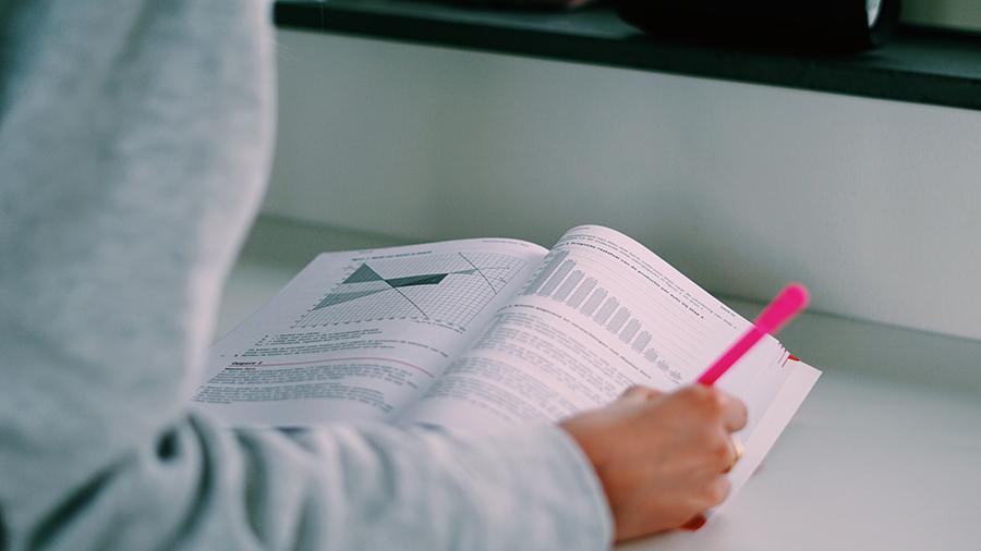 Examenbundel helpt leerlingen al 40 jaar te slagen